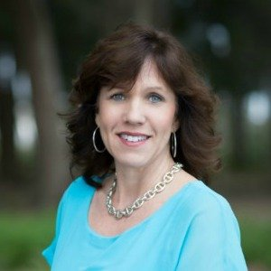 Lisa Appelo Writer Headshot